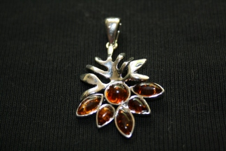 amber-pendant1